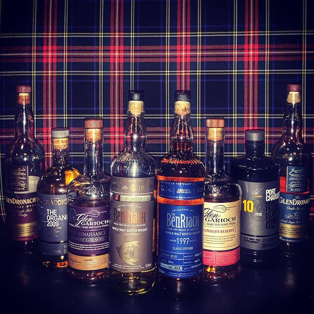 Time for another monthly whisky tasting! This Sunday, July 14th at 2pm! 🥃 🥃 🥃 RSVP now by hitting the email button in our profile - limited spots as usual! Only $70 a person for a taste of all these amazing expressions including a few rarities! #highlanderpubottawa 🥃 🥃 🥃 🥃 #benriach #glengarioch #glendronach #bruichladdich #portcharlotte #whiskytasting #whiskeytasting #scotchtasting #ottawafoodies #ottawarestaurants #ottawaevents #ottawalife #whisky #whiskyporn #scotchwhisky #scotchyscotchscotch #whiskylover #613 #613ottawa #loveottawa #downtownrideau #bywardmarket