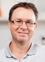Dr Darryl Russell    2014