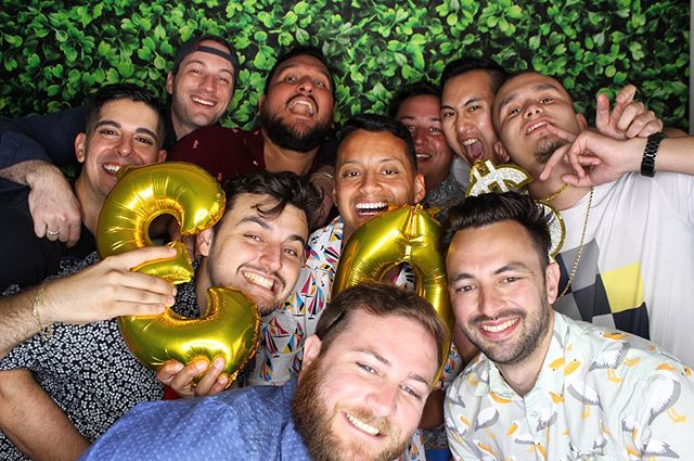 Rule #1: Never miss a photobooth moment with your boys 🤙🏼