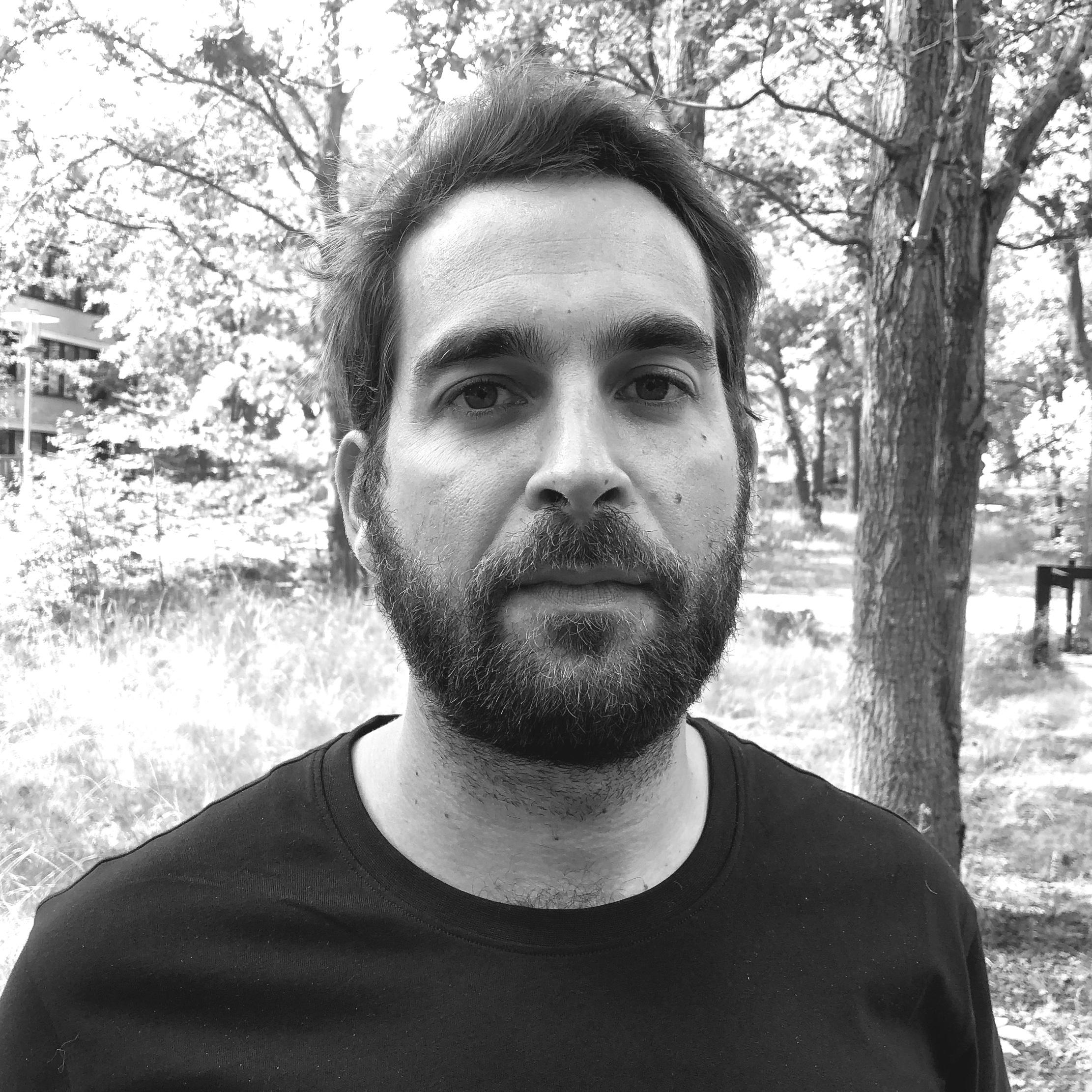 Alberto Marti Giner  Operator (Oslo)  alma@letsholo.com  LinkedIn
