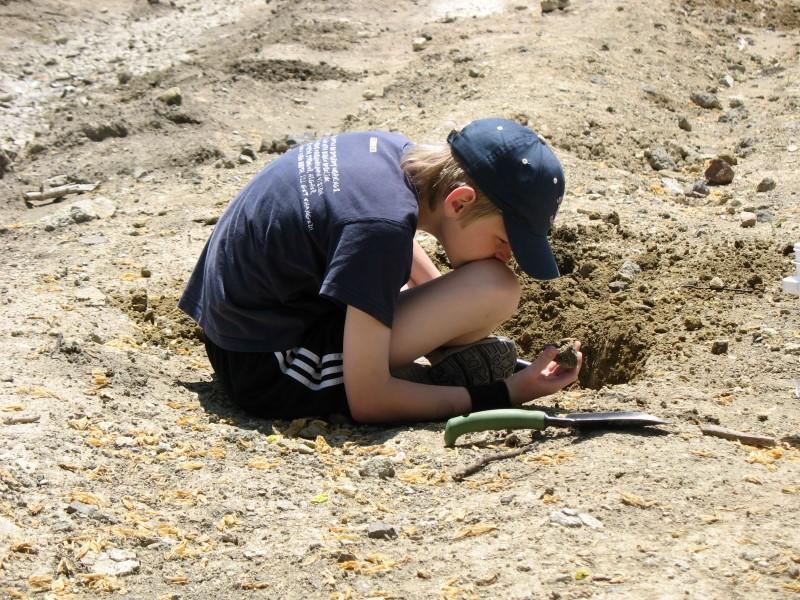 liten arkeolog.jpg