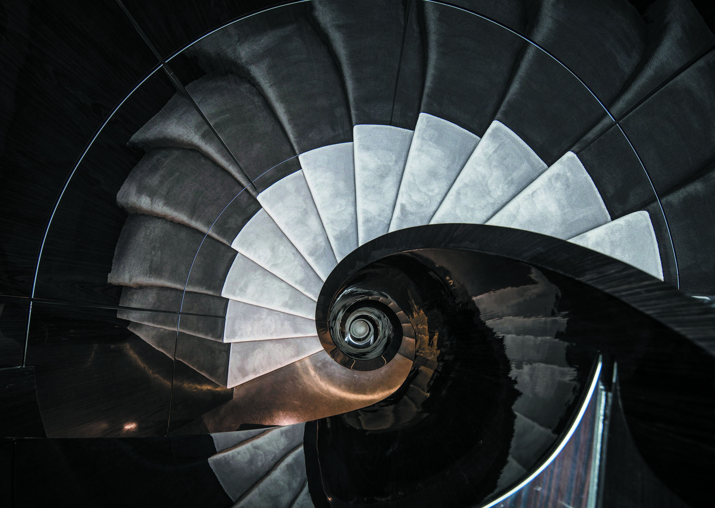 Luxury Helical Staircase in Mayfair_001_.jpg