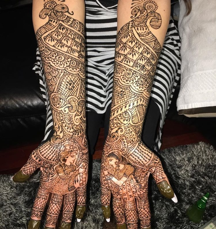 Henna tattoos - Huge hit for graduations & bachelorette parties! Henna options include colors too!