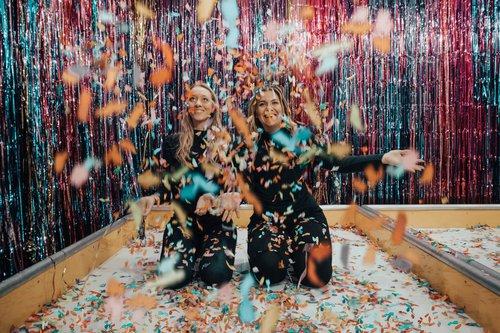 beautiful-bestfriends-celebration-1627935.jpg