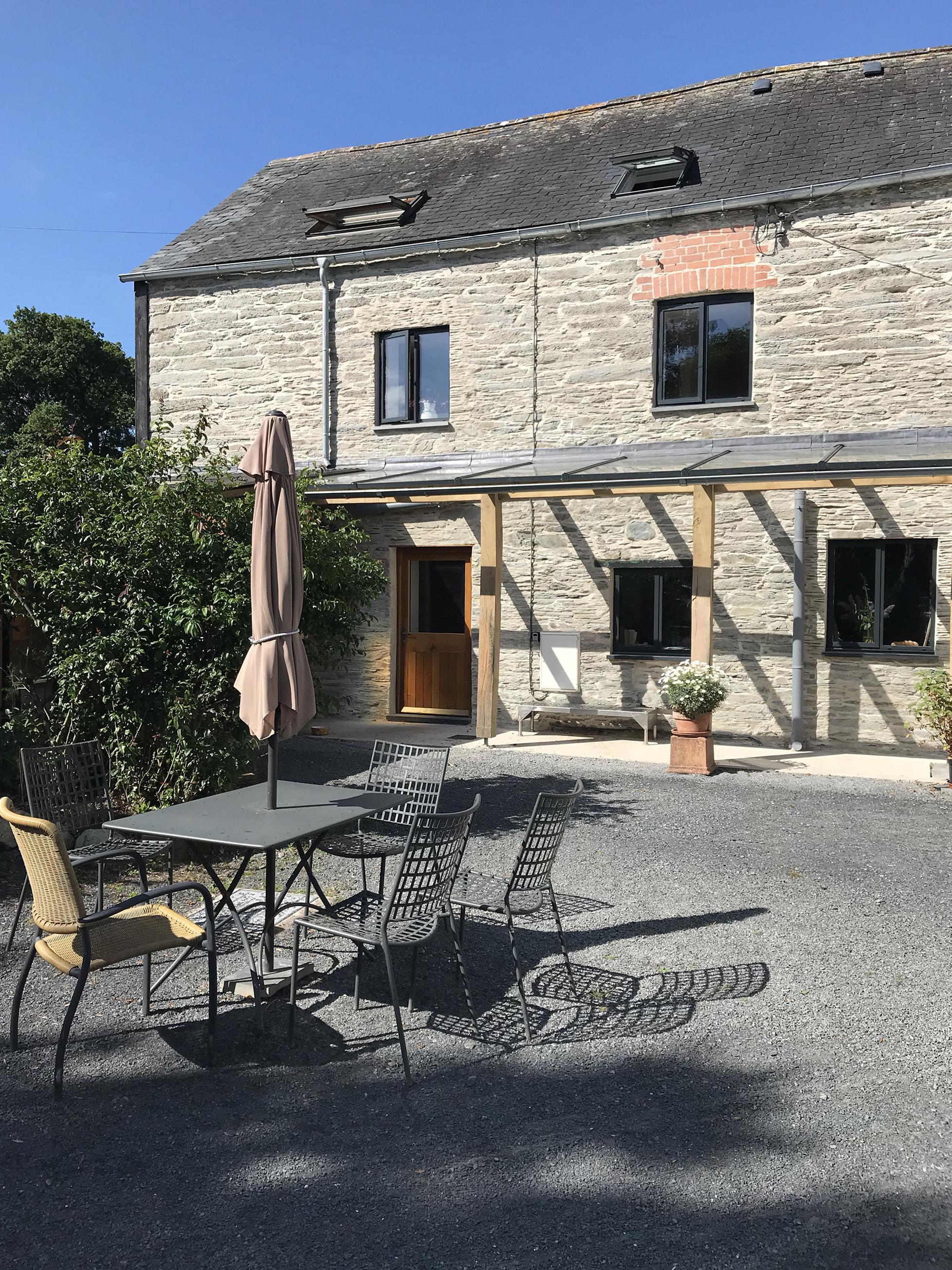 Llwyn-Courtyard.jpg