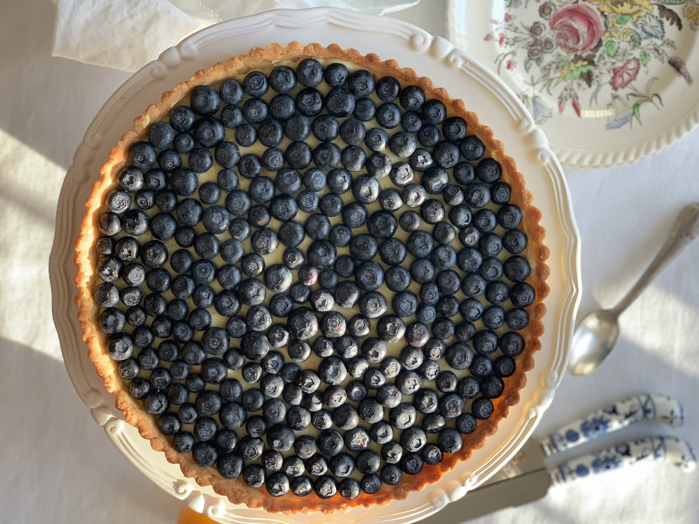 We used our easy pastry dough for this recipe of a blueberry tart with lemon cream