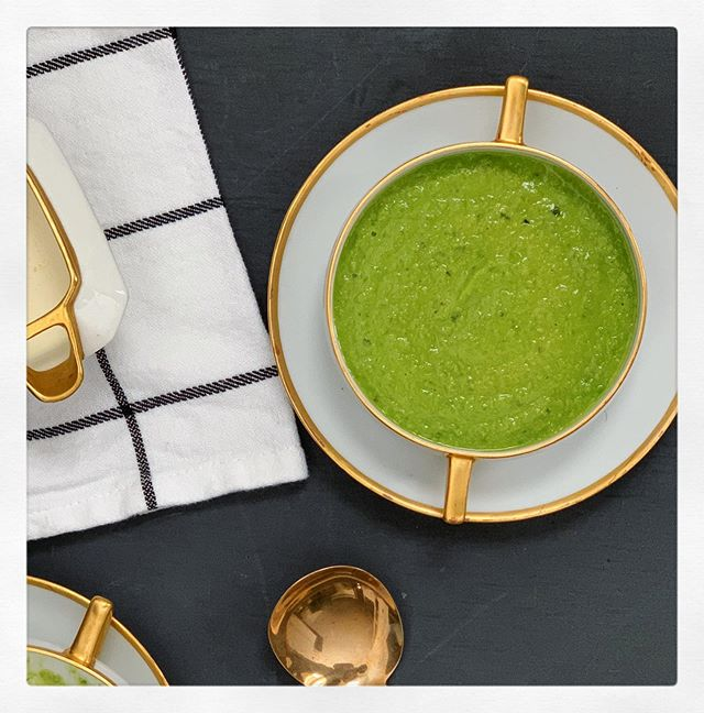 Spring English peas, fennel fronds and mint make the perfect creamy spring soup, and it's so quick. Planning our #iftar dinner for tonight, what are you having? . . #f52bright #recipeoftheday #feedfeed #imsomartha #soup #easydinner #algeria #forkyeah #ramadan2019 #foodphotography #foodie #food #foodstagram #foodlover #tasty #deliciousfood#vegetarianrecipes #yummyfood #onmyplate #thefeedfeed #thekitchn #thatsdarling #f52grams #mykitchn #huffposttaste #cooksillustrated #tastemademedoit #foodstyling #eeeeeats