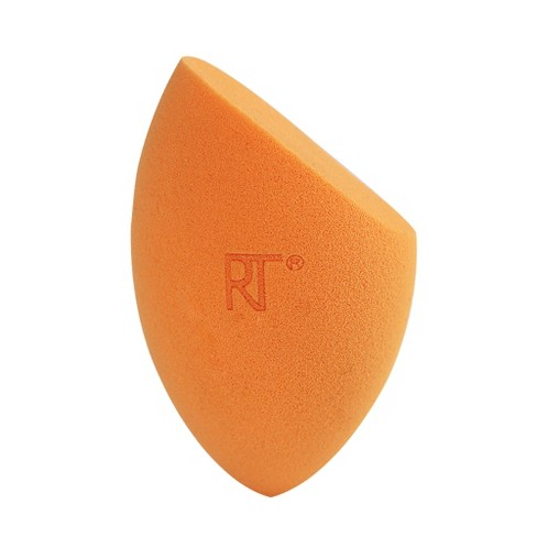 Real Techniques Miracle Complexion Sponge   BUY THIS LOOK - CLICK HERE