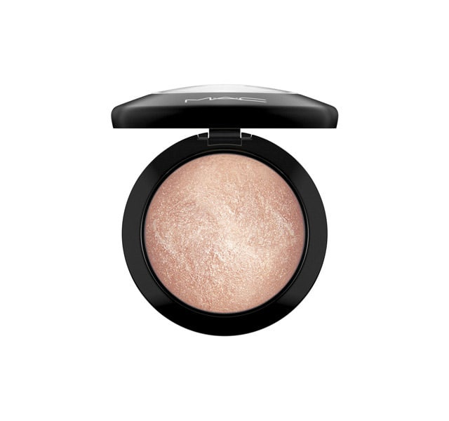 """Mac Mineralize SkinFinish in """"soft and Gentle""""   BUY THIS LOOK - CLICK HERE"""