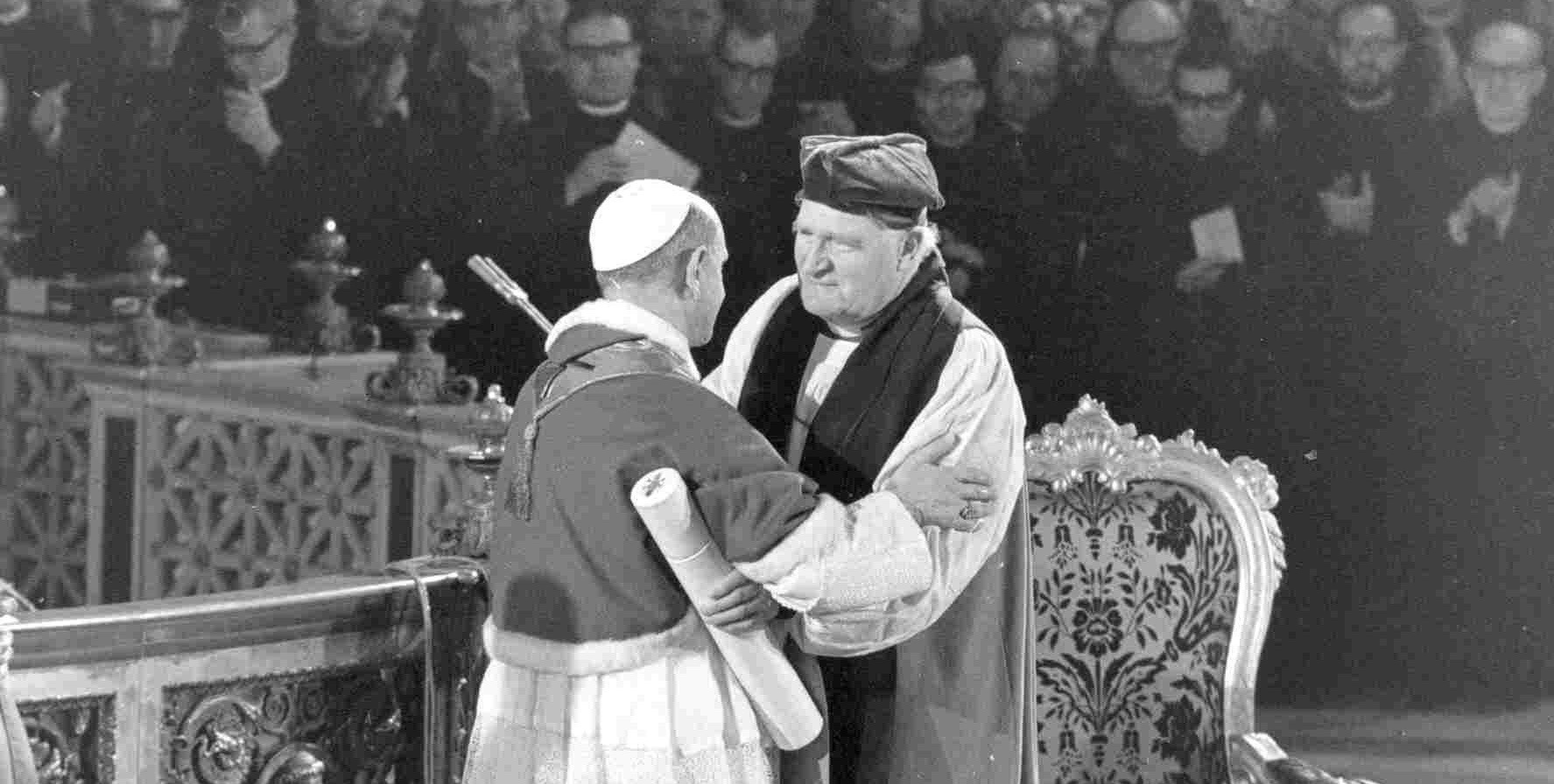 archbishop-michael-ramsey-and-pope-paul-vi-15.jpg