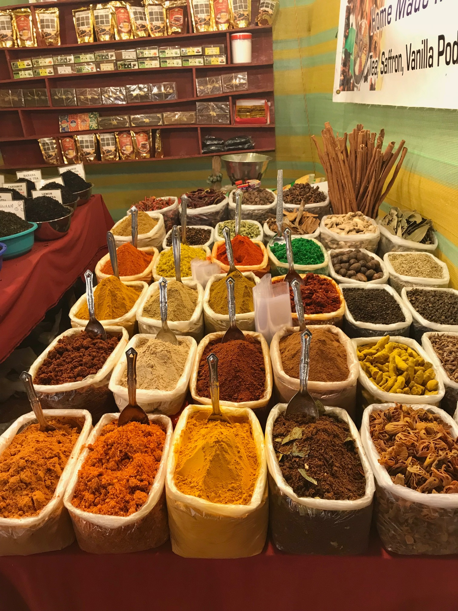 Passion & Peace guide to Arpora Saturday night market, Goa #travel #travelguide #restaurant