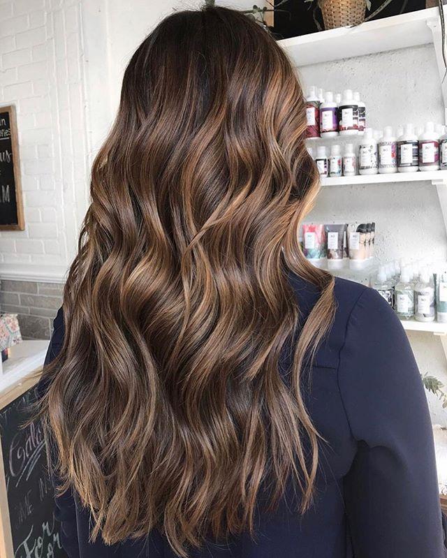 MANE ENVY 😍 MONDAY • hair by Courtney @cyauhairmua • . . . . . #brunettebalayage #brunettecolormelt #brunette #balayage #balayageombre #balayagehighlights #mastersofbalayage #maneinterest #bestofbalayage #balayagedhair #rvasalon #rva #rvahair #richmondhair #btc #modernsalon #americansalon #citiesbesthairartists #lorealcolorista #lorealprous #lorealpro #basicsofbalayage #beautylaunchpad #balayagist #behindthechair #maneinterest #maneaddicts