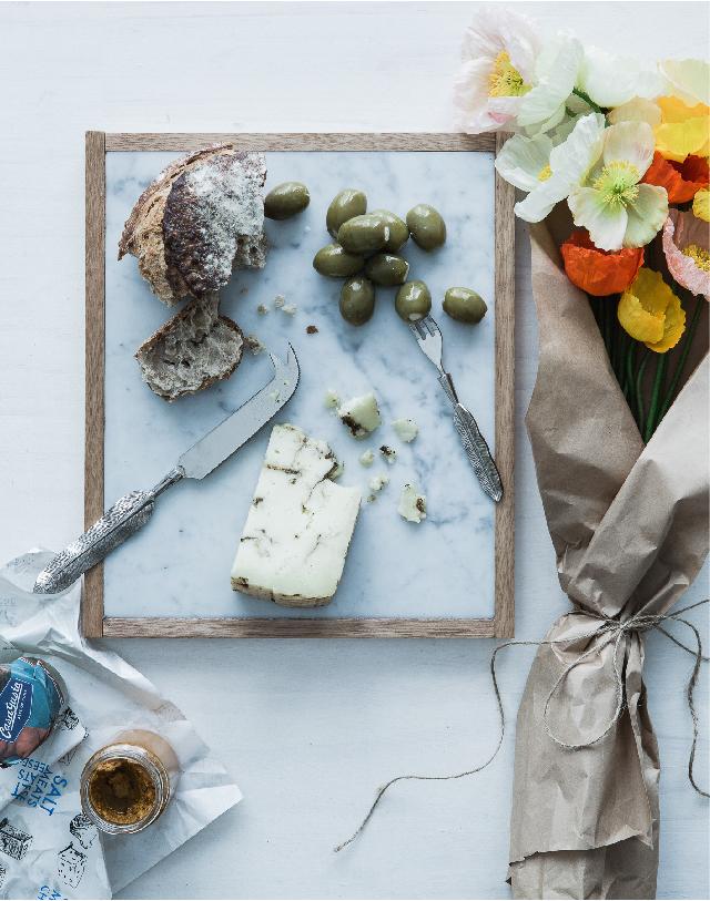 Food Styling by Kerrie-Ann Jones Interior Stylist Sydney & Melbourne.  Style Editor, Freelance Stylist.  Content Creator Sydney.  Food Stylist & Flatlay Stylist.  #foodstyling #tableinspiration #cheeseboard