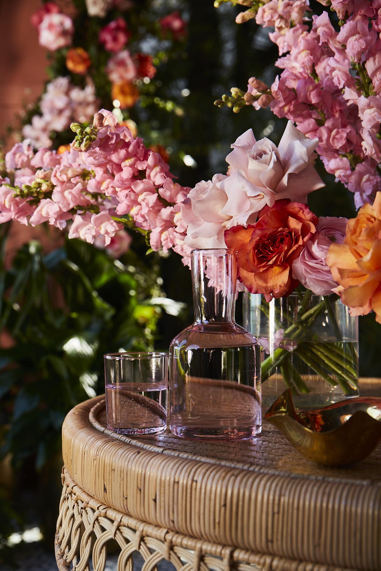 Editorial Stylist Kerrie-Ann Jones Interior Styling Sydney & Melbourne.  Summer Table Setting with Floral Table Centrepiece.  Floral table setting.  Table Styling Ideas, Mediterranean Table Setting #tablestylingideas #tableinspiration #floralcentrepiece