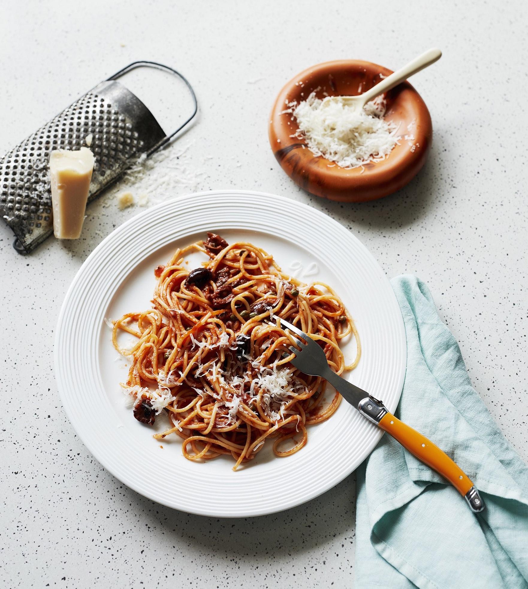 Food Styling by Kerrie-Ann Jones Interior Stylist Sydney & Melbourne.  Style Editor, Freelance Stylist.  Content Creator Sydney.  Food Stylist & Flatlay Stylist.  #foodstyling #tableinspiration #gourmettraveller