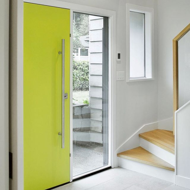 """I've gotten several requests for this pop of WOW paint color...it's a customized combo of @benjaminmoore Granny Smith + Wasabi....which the homeowners fittingly named """"Not Your Granny's Wasabi"""" 🔥🔥🔥🤣... #frontentry #midcenturymodern #renovation #frontdoor #northvancouverinteriordesign #northvanrenovation #frontdoorcolor"""