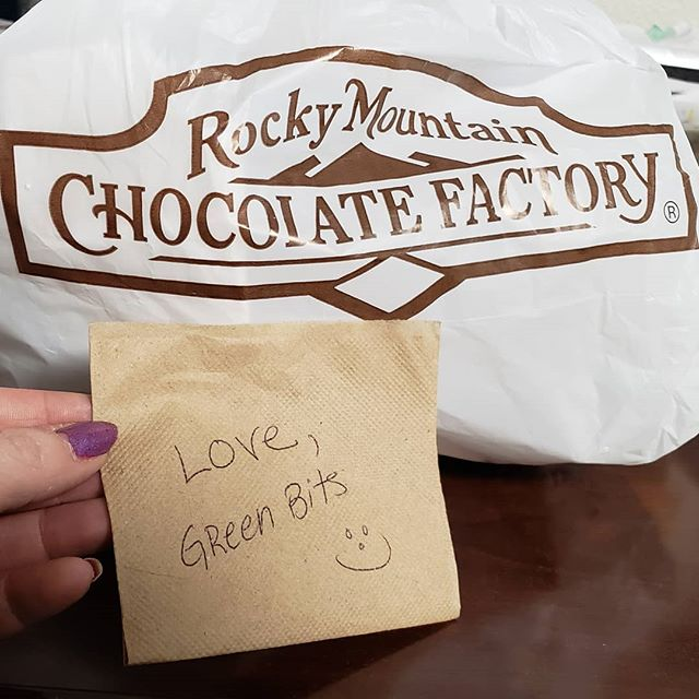 #wellplayed @greenbitscom #wellplayed #schmoozing #game #onpoint @rmcfinc #troutdale #getthegirl with #chocolate