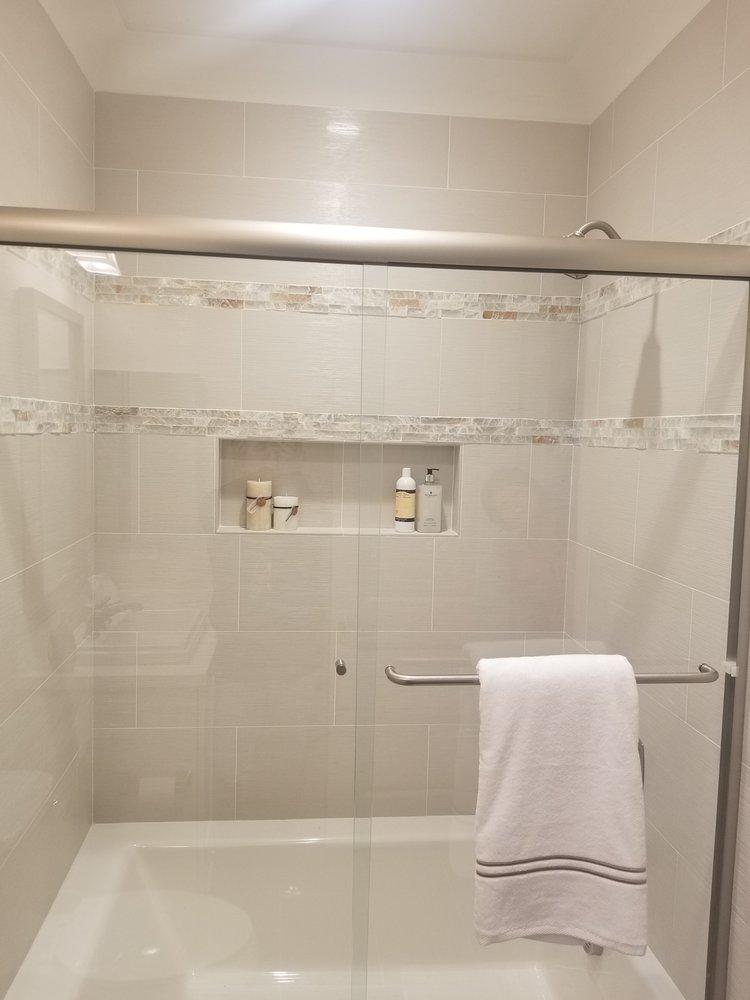 Tile Shower W 2 Mosaic Trims.jpg
