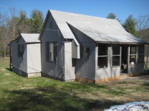 3707 Potts Creek Rd    Covington, VA 24426