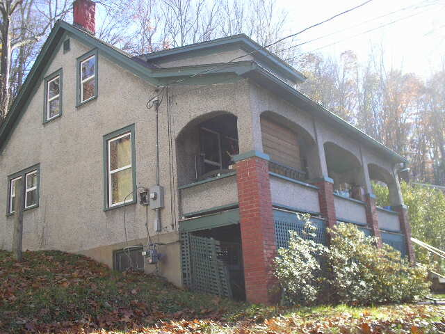 1889 S. Carpenter Dr.    Covington, VA 24426    (selling agent)