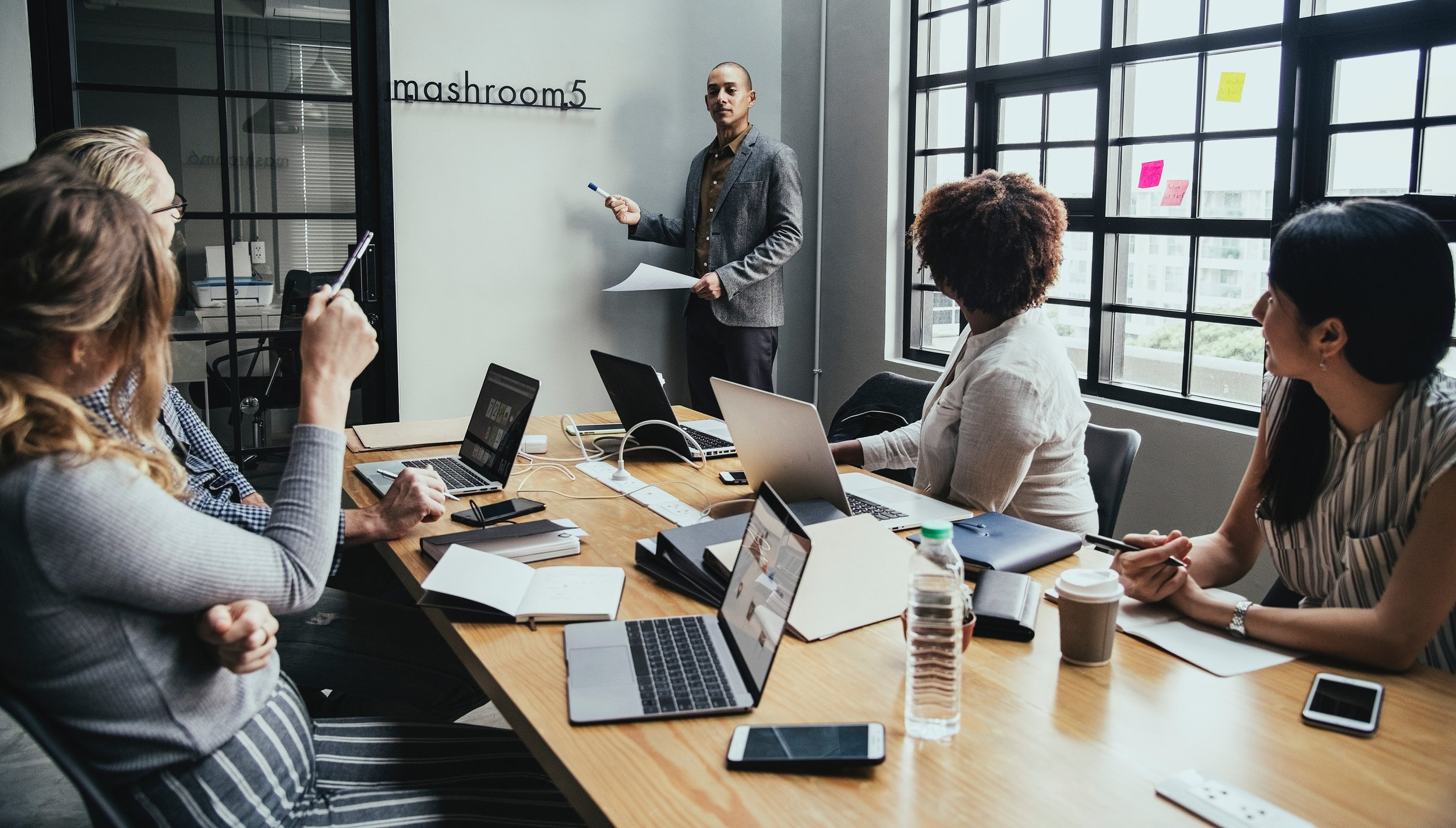 Cursos Presenciales - Ofrecemos educación Básica, Intermedia y Avanzada en todos los programas de Microsoft Office.