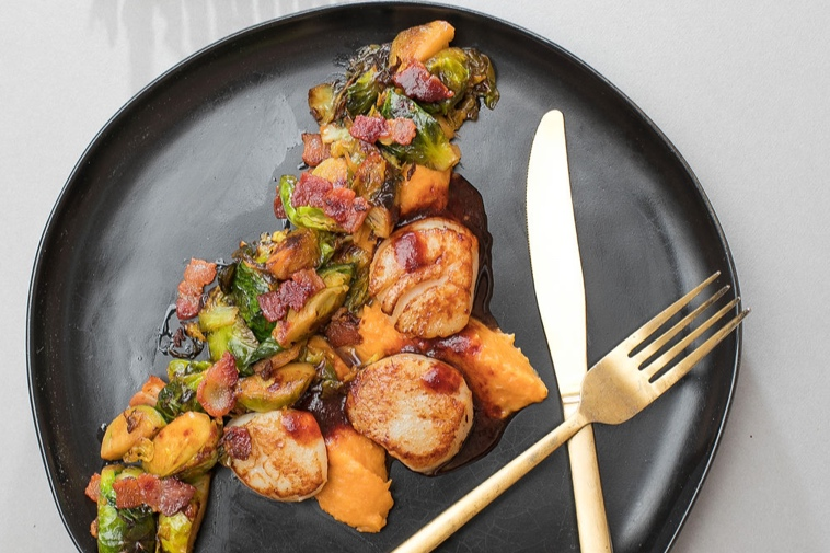 Pan seared scallops with vegetable melange