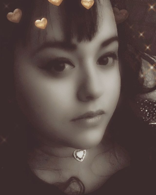 💋🌸 Our third guest is the one and only Marisa Silva-Dunbar, a #poet, #bruja, #spiritcompanion, and #contributingwriter for #PussyMagic (@pvssymagic). 🌸 Growing up in the Southwest influenced her magickal practices, and she considers herself a #kitchenwitch. In her free time, she enjoys reading about the Fae Folk, scandals in Old Hollywood, and the spirits of the sea. She is obsessed with kitschy motels in the desert, mermaids, vampires, and pinups. In her twenties she attended UEA in England, and misses being able to sit in pubs, people watch, and write. 🌸 You can find her on Instagram, Tumblr, and Twitter @thesweetmaris. You can listen to #satinsoulbits on all streaming platforms: #spotify, #applemusic, #googleplay, and I'll be uploading it to YouTube as well! Enjoy the gems and let us know what you think, how you relate, etc! Join the convo. 💋🥂 . . #podcastsforwomen #spirituality #womenchat #pastlives #intimacy #sex #wellness #womanhood