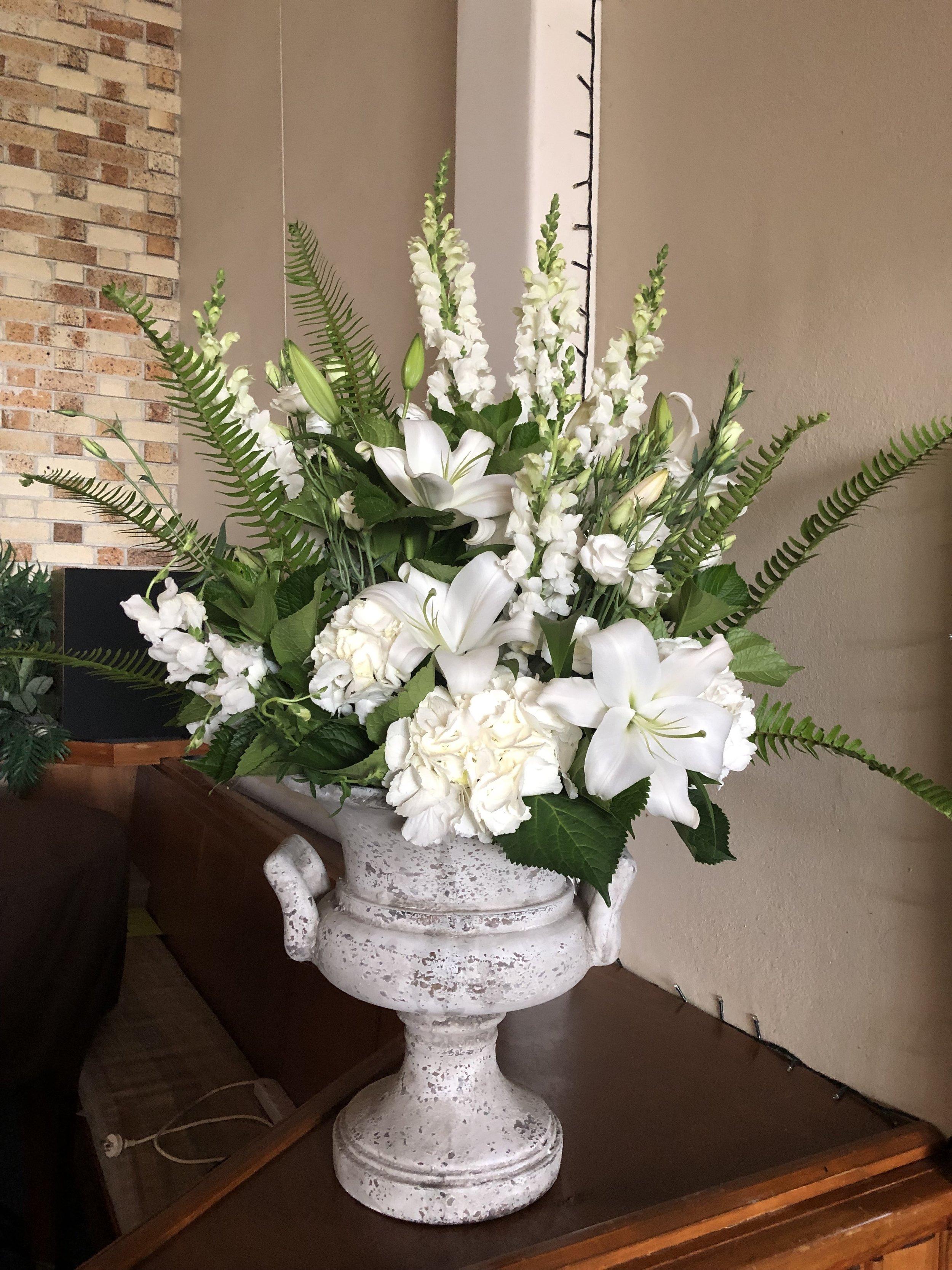 Urn with arrangement