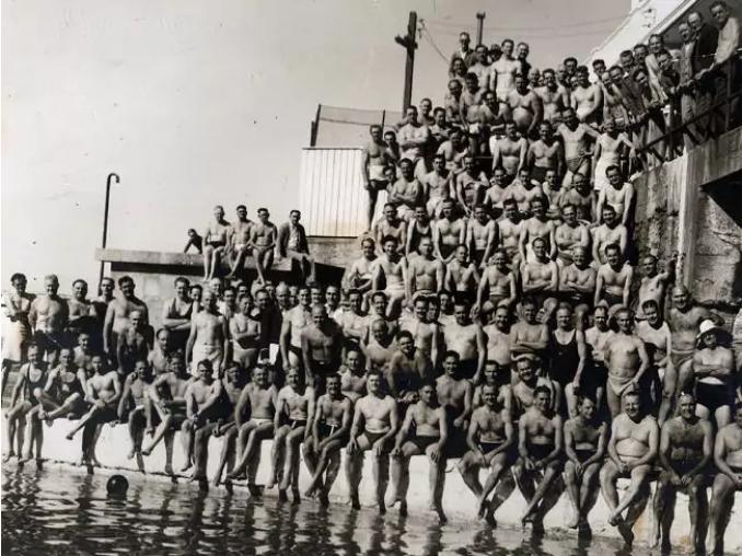 Bondi Icebergs swimmers in 1954. Pic: Icebergs Club