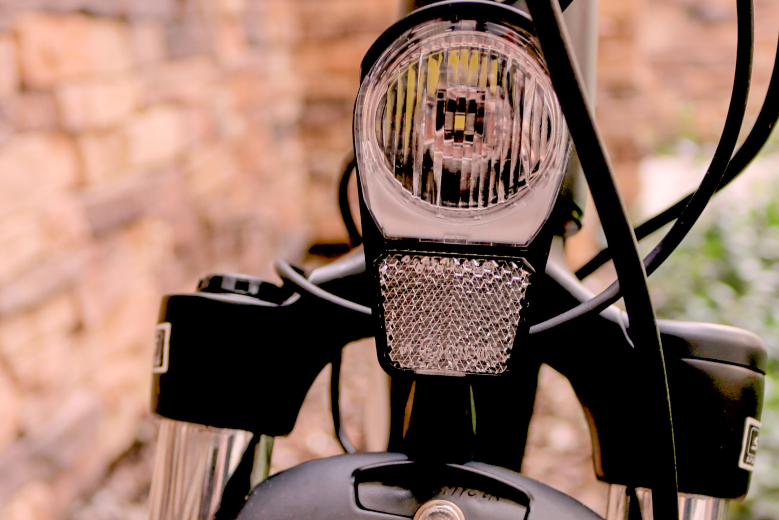electrified-reviews-populo-scout-electric-bike-review-headlight.jpg