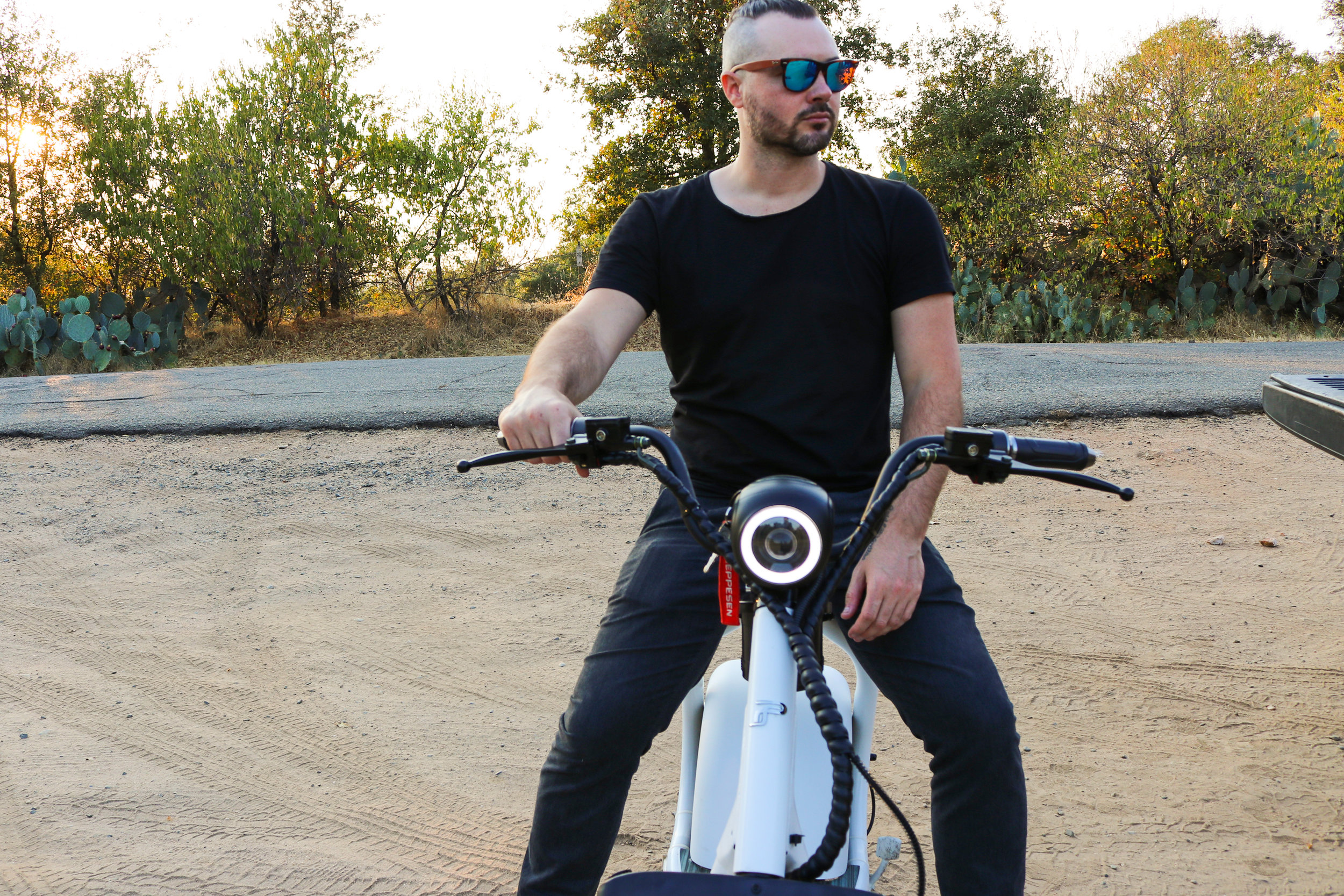 electrified-reviews-phat-scooter-sport-electric-scooter-review-headlight.jpg
