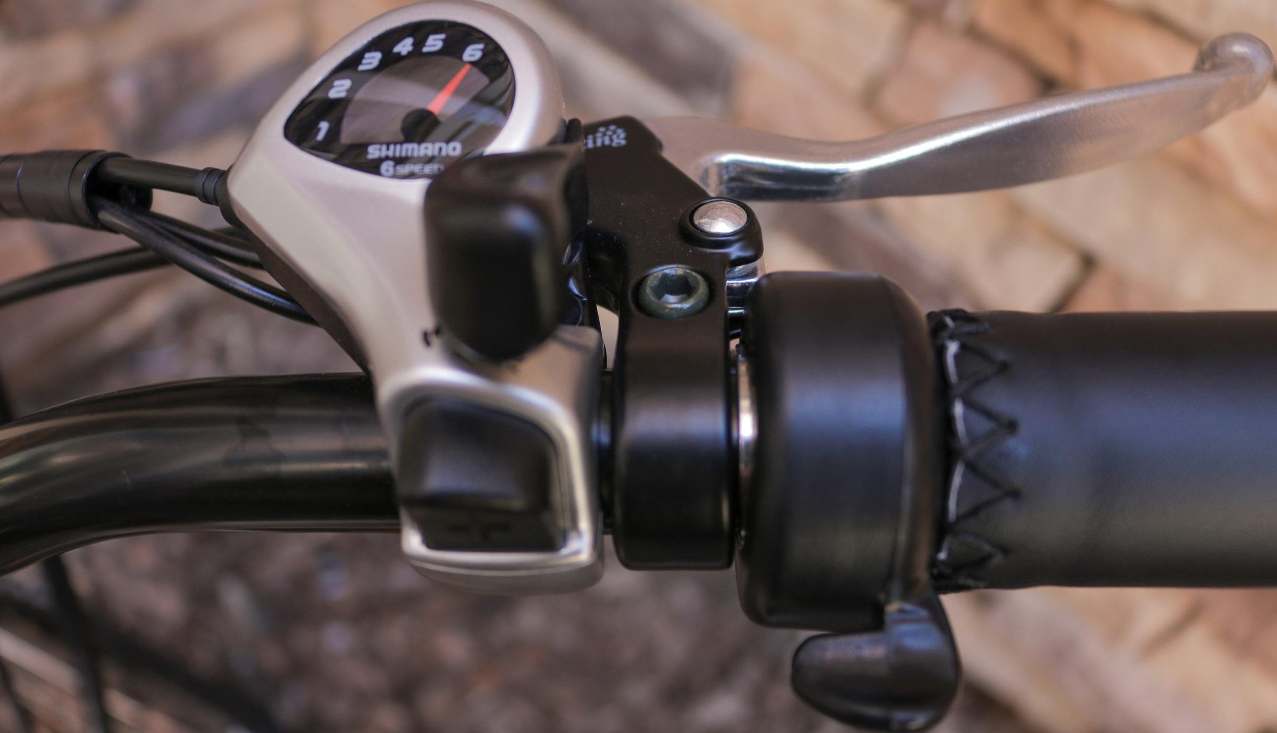 electrified-reviews-wave-electric-bike-review-shimano-shifter-throttle.jpg