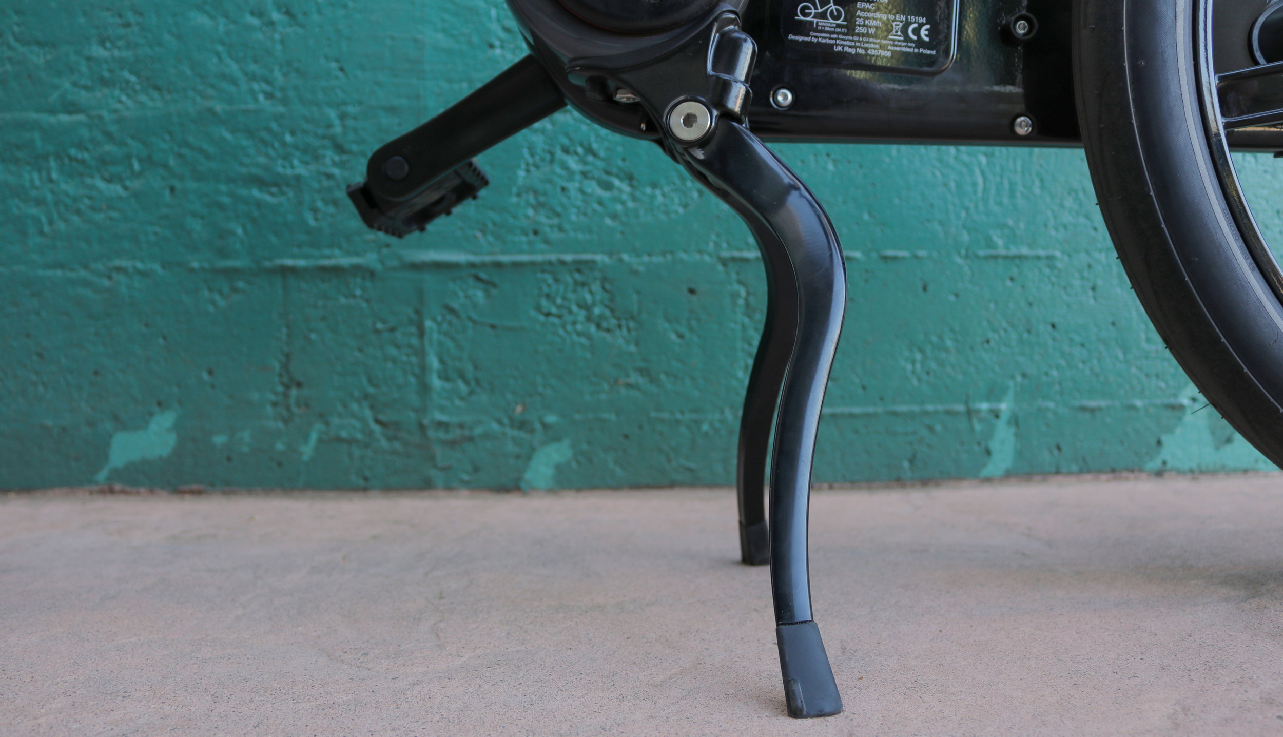 electrified-reviews-gocycle-gs-electric-bike-review-kick-stand.jpg