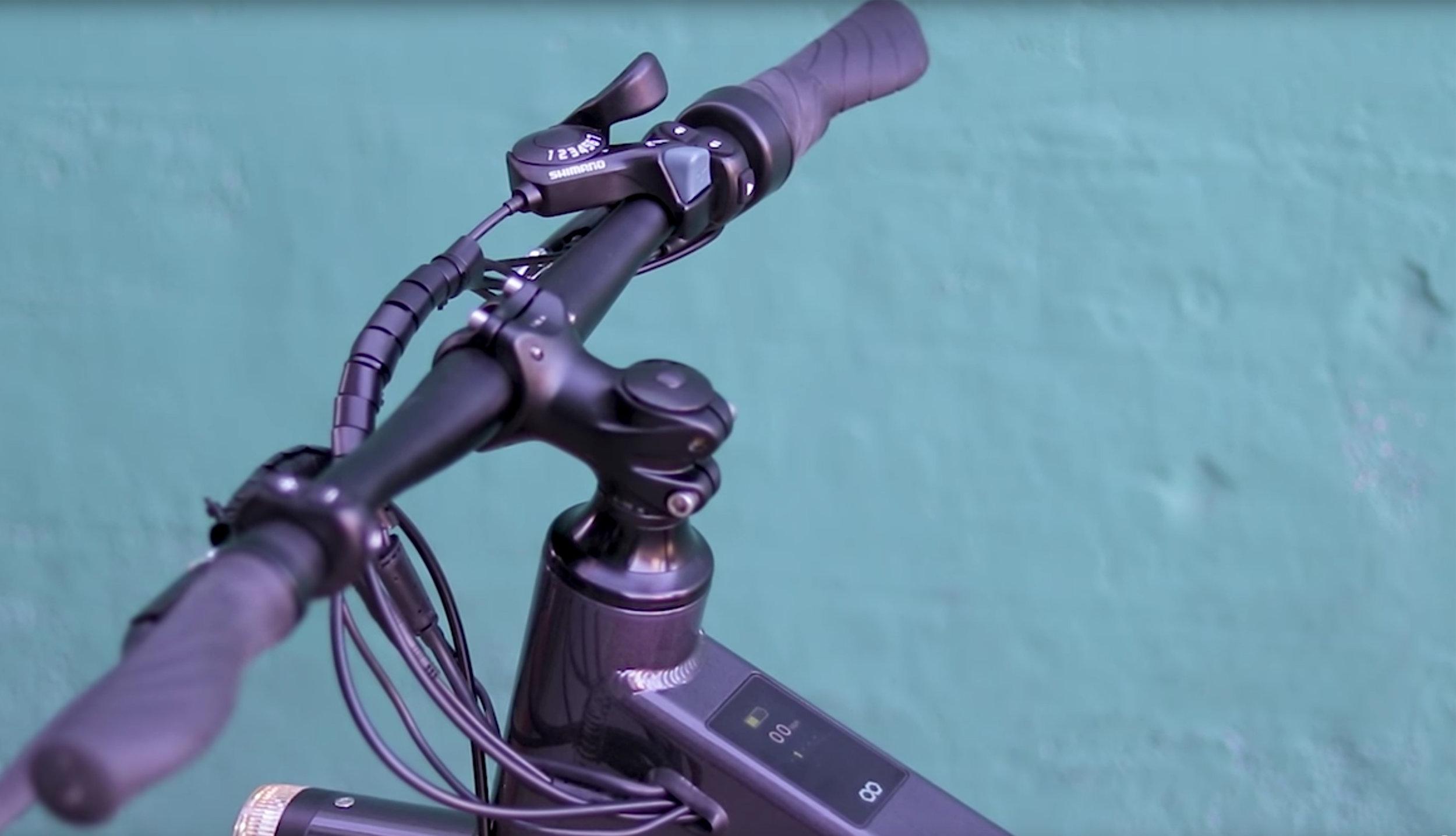 electrified-reviews-flash-v1-electric-bike-review-handlebars.jpg