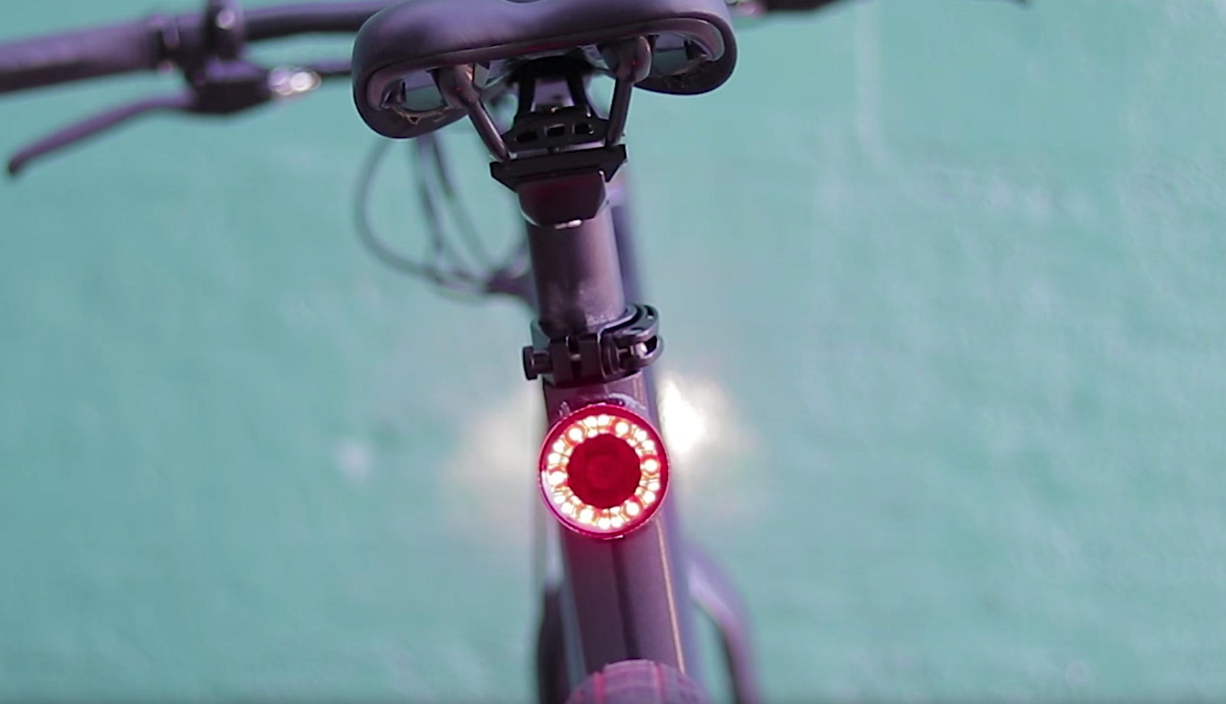 electrified-reviews-flash-v1-electric-bike-review-tail-light.jpg