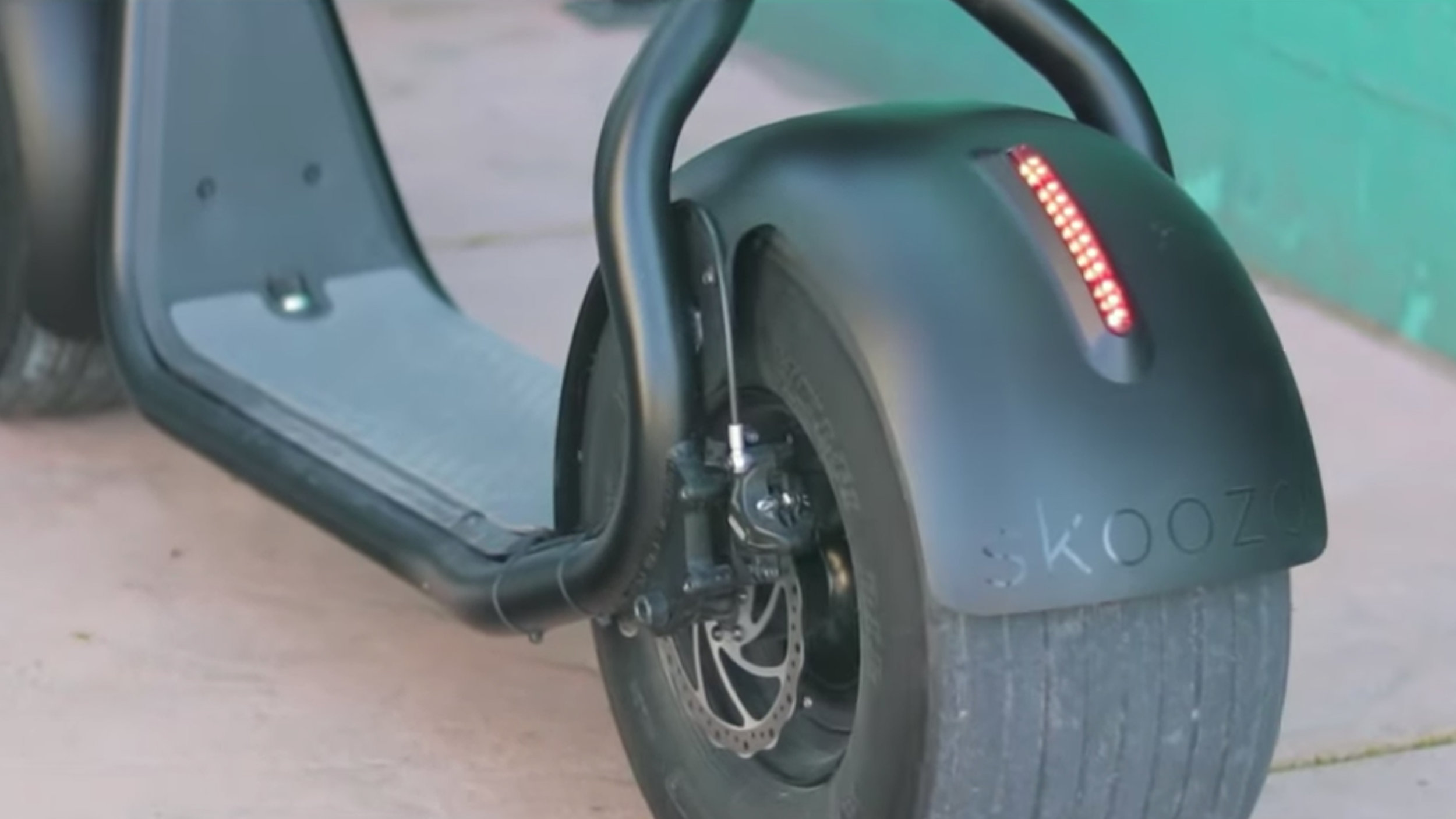 Skooza K1S fat tire electric scooter review: The TESLA of