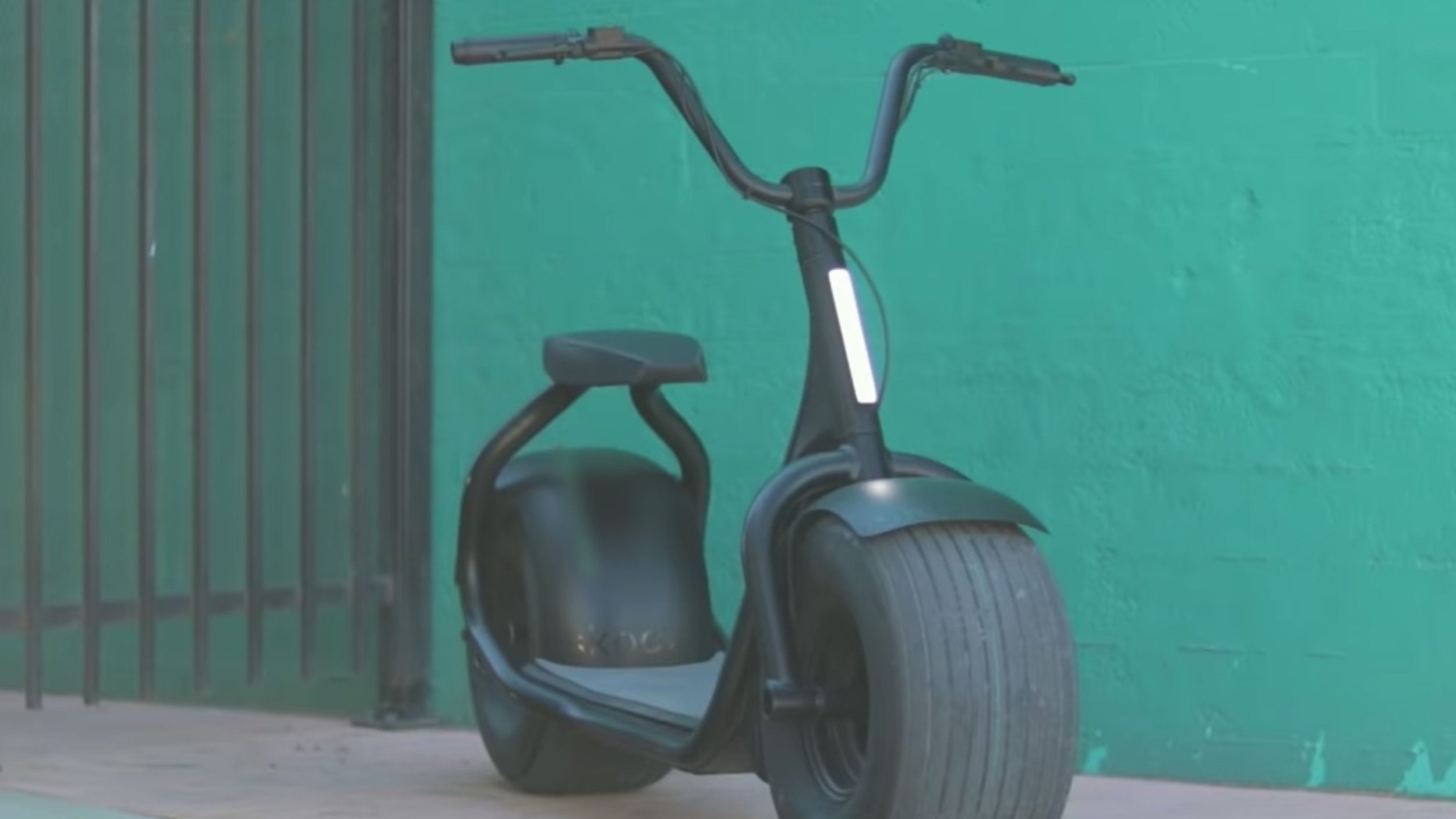 electrified-reviews-skooza-k1s-fat-tire-electric-scooter-review-front.jpg