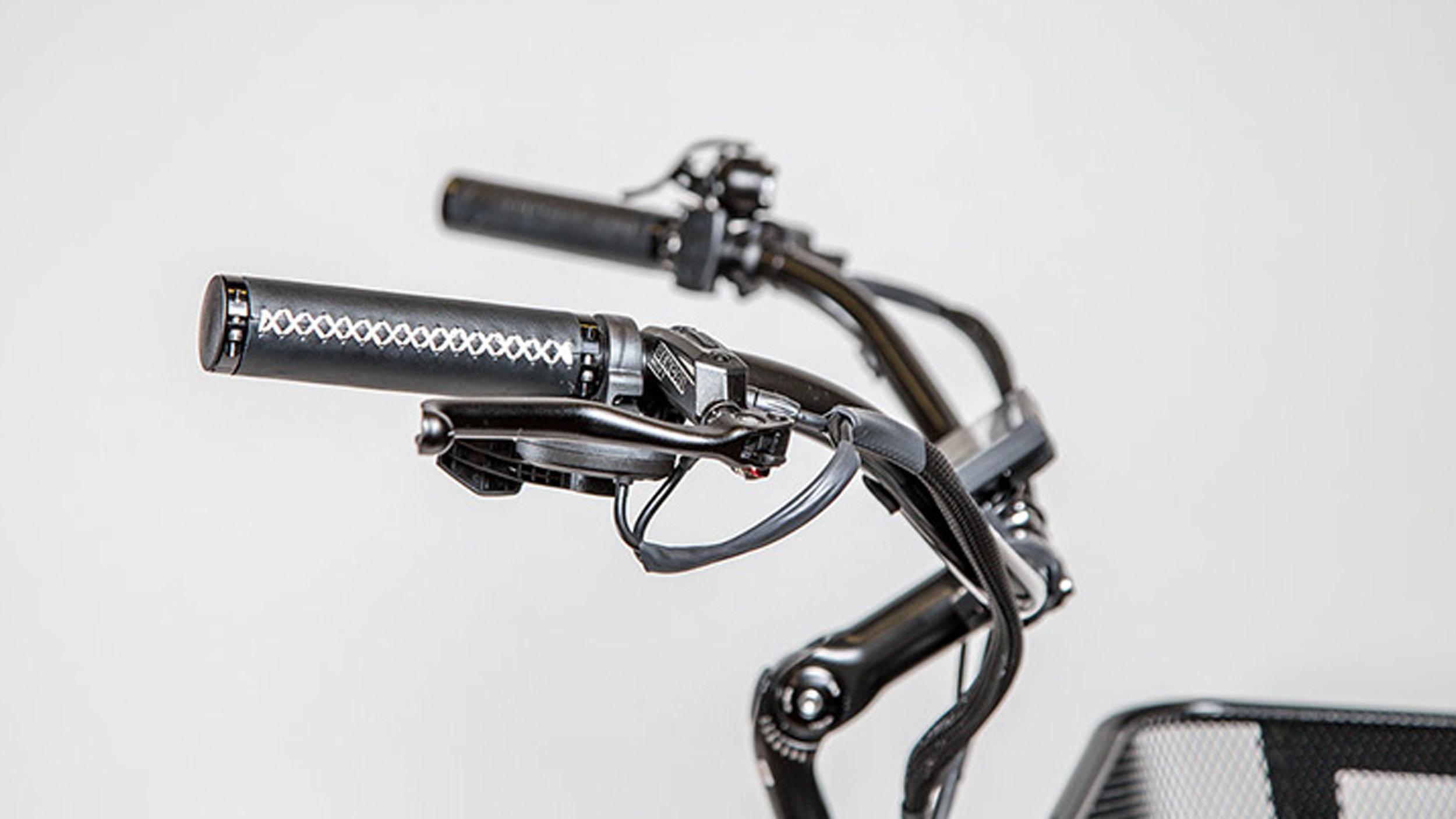 electrified-reviews-electric-bike-company-model-c-electric-bike-review-grip.jpg