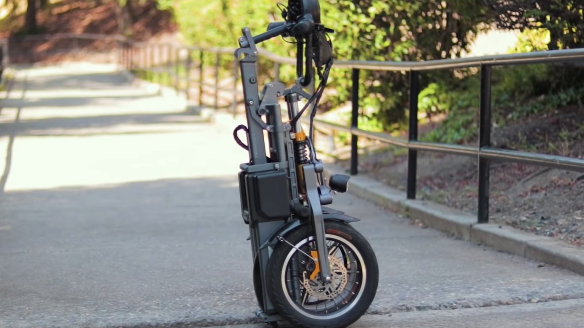 electrified-reviews-pim-bicycles-mylo-folding-three-wheel-electric-scotter-review-folded.jpg