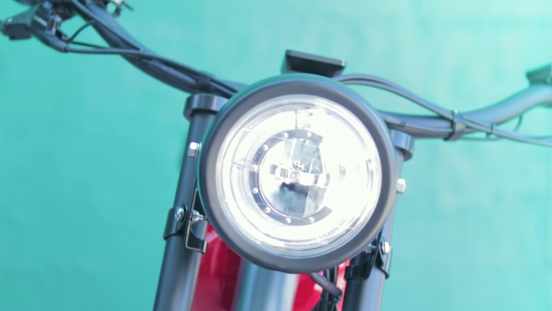 electrified-reviews-civi-bikes-cheetah-electric-bike-review-headlight.jpg
