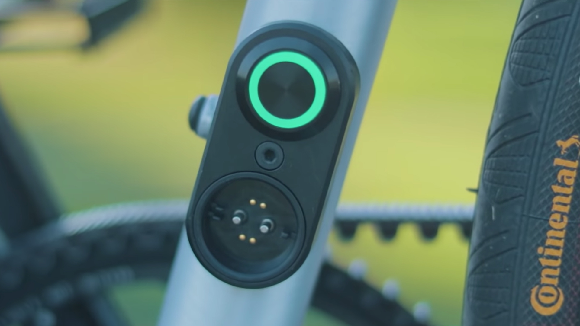 electrified-reviews-ampler-curt-single-speed-electric-bike-review-charging-port.jpg