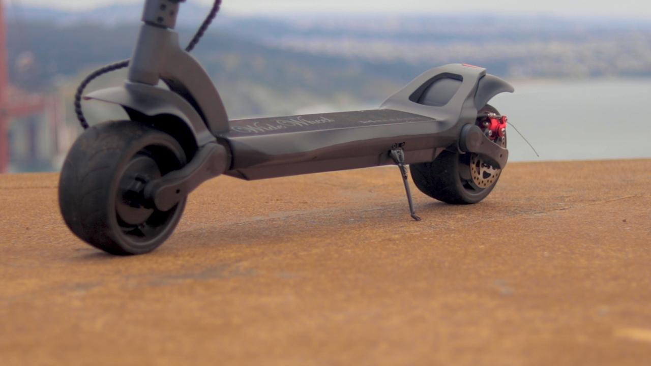 electrified-reviews-fluidfreeride-widewheel-electric-scooter-review-deck-profile-2.jpg