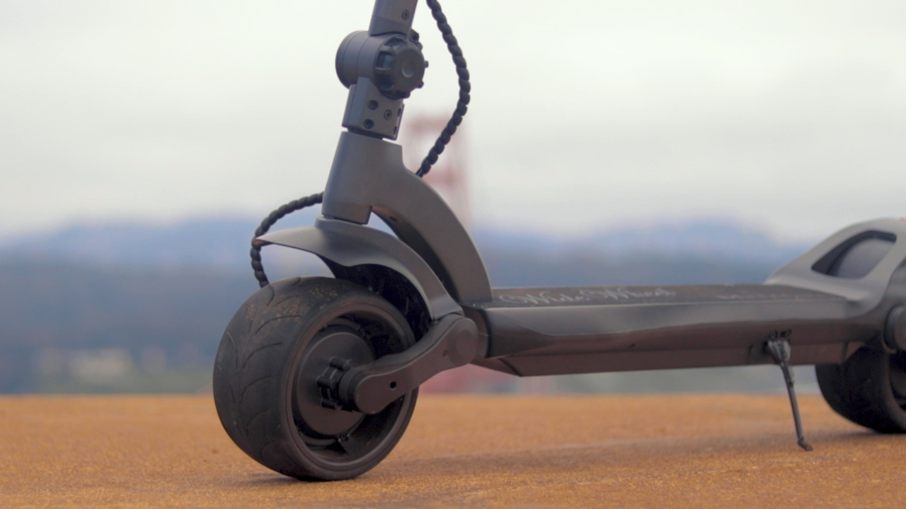 electrified-reviews-fluidfreeride-widewheel-electric-scooter-review-deck-profile.jpg