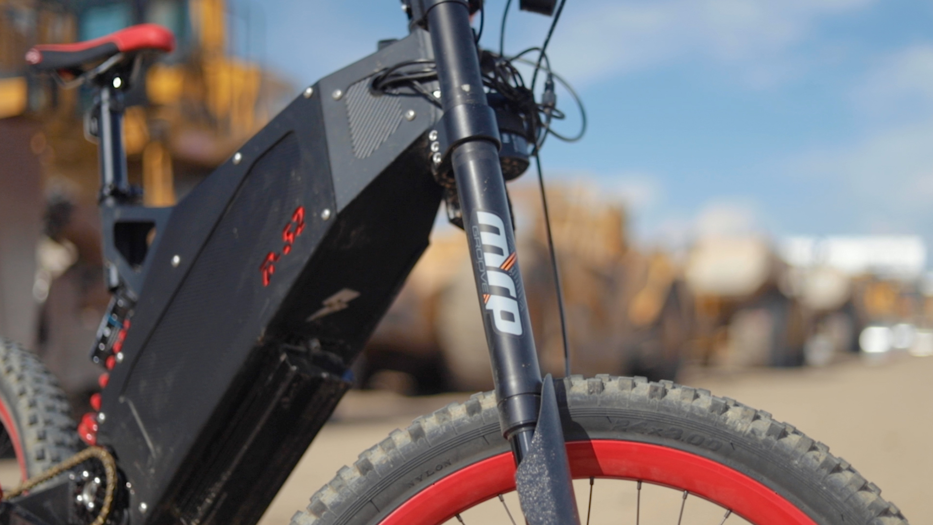 electrified-reviews-stealth-b52-bomber-electric-bike-review-mrp-groove-suspension.jpg