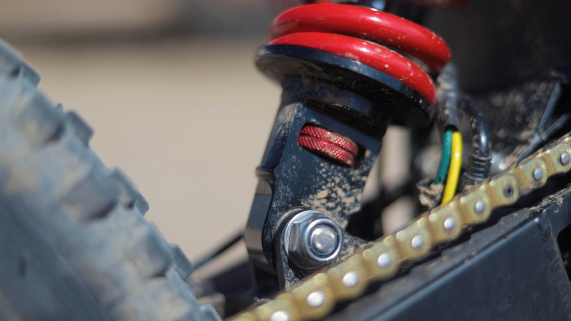 electrified-reviews-stealth-b52-bomber-electric-bike-review-rear-suspension-adjust.jpg