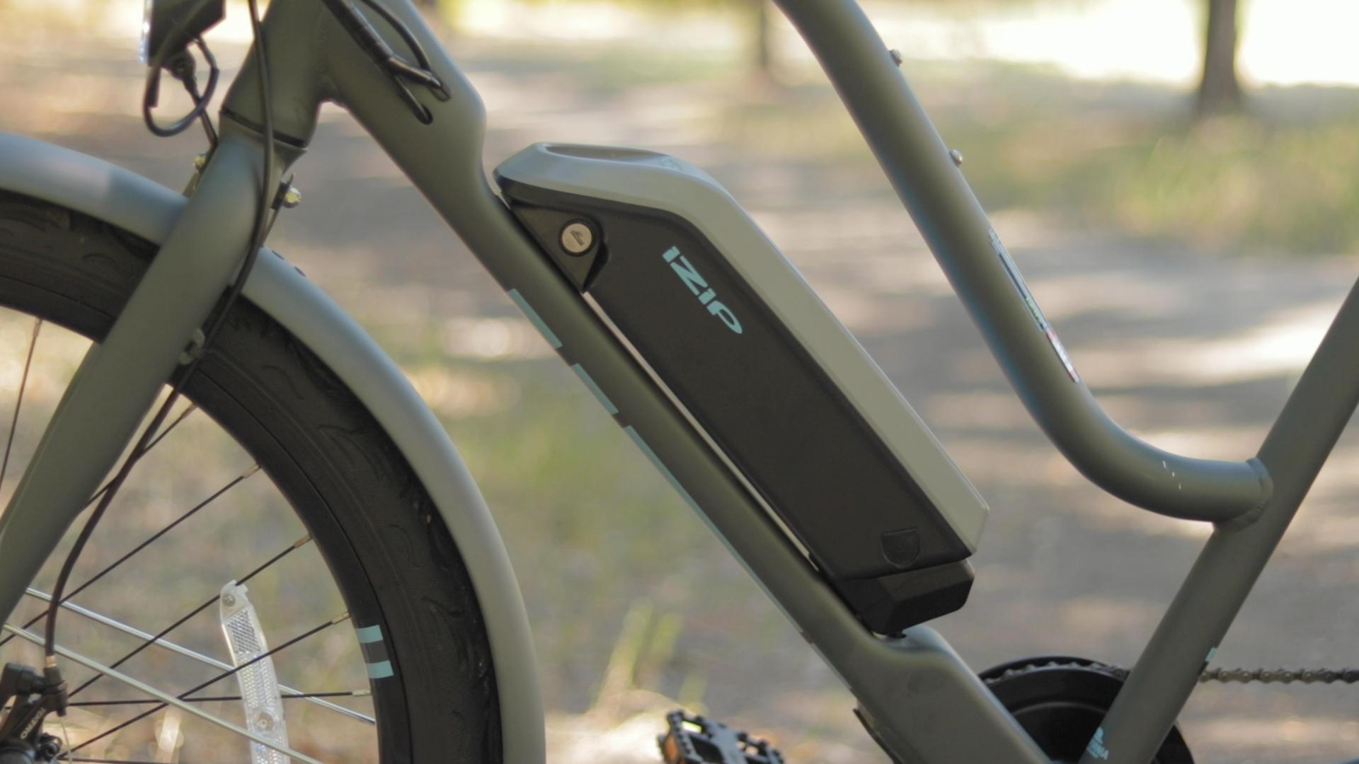 electrified-reviews-izip-simi-electric-bike-review-battery-2.jpg