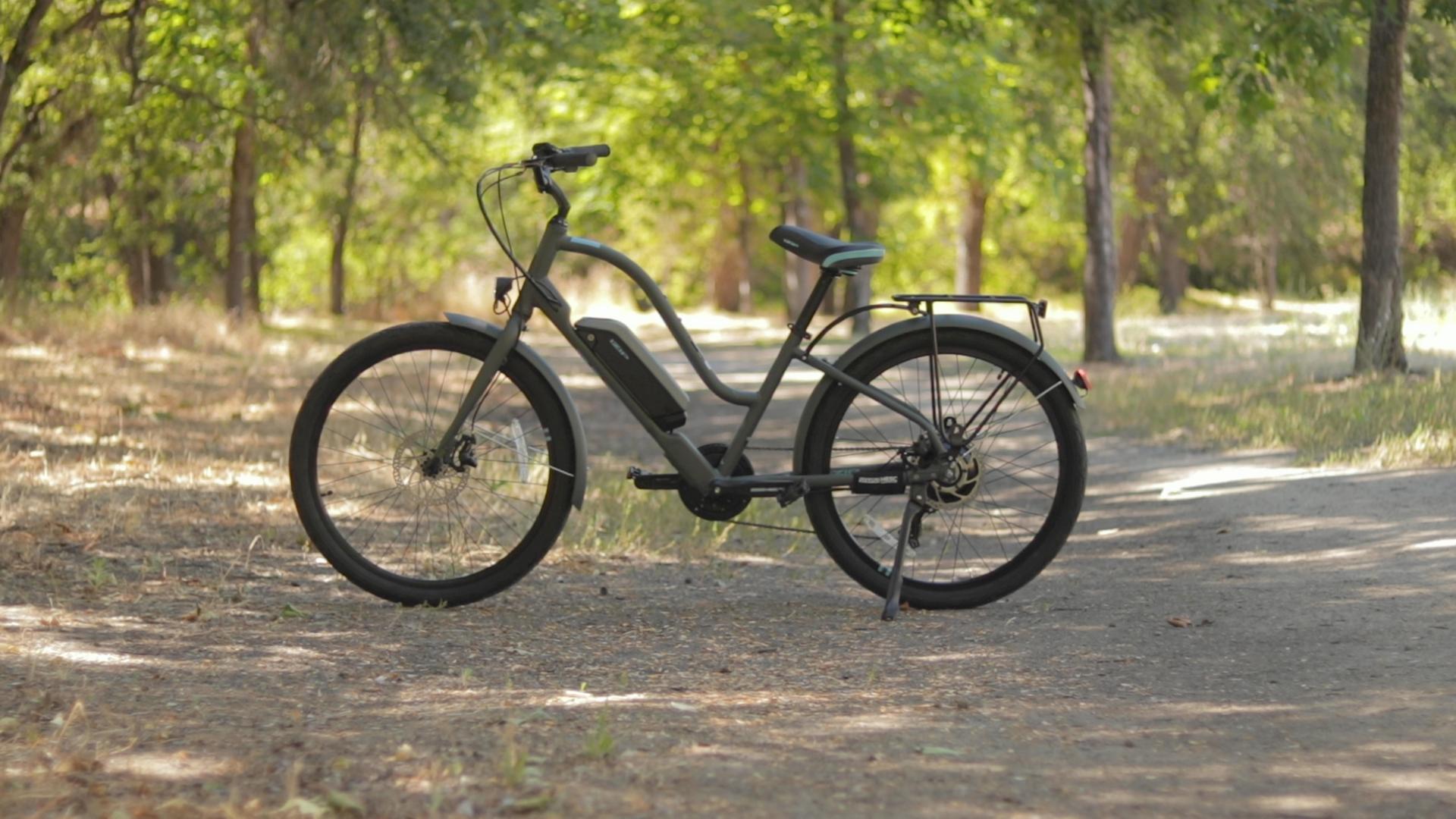 electrified-reviews-izip-simi-electric-bike-review-profile-2.jpg
