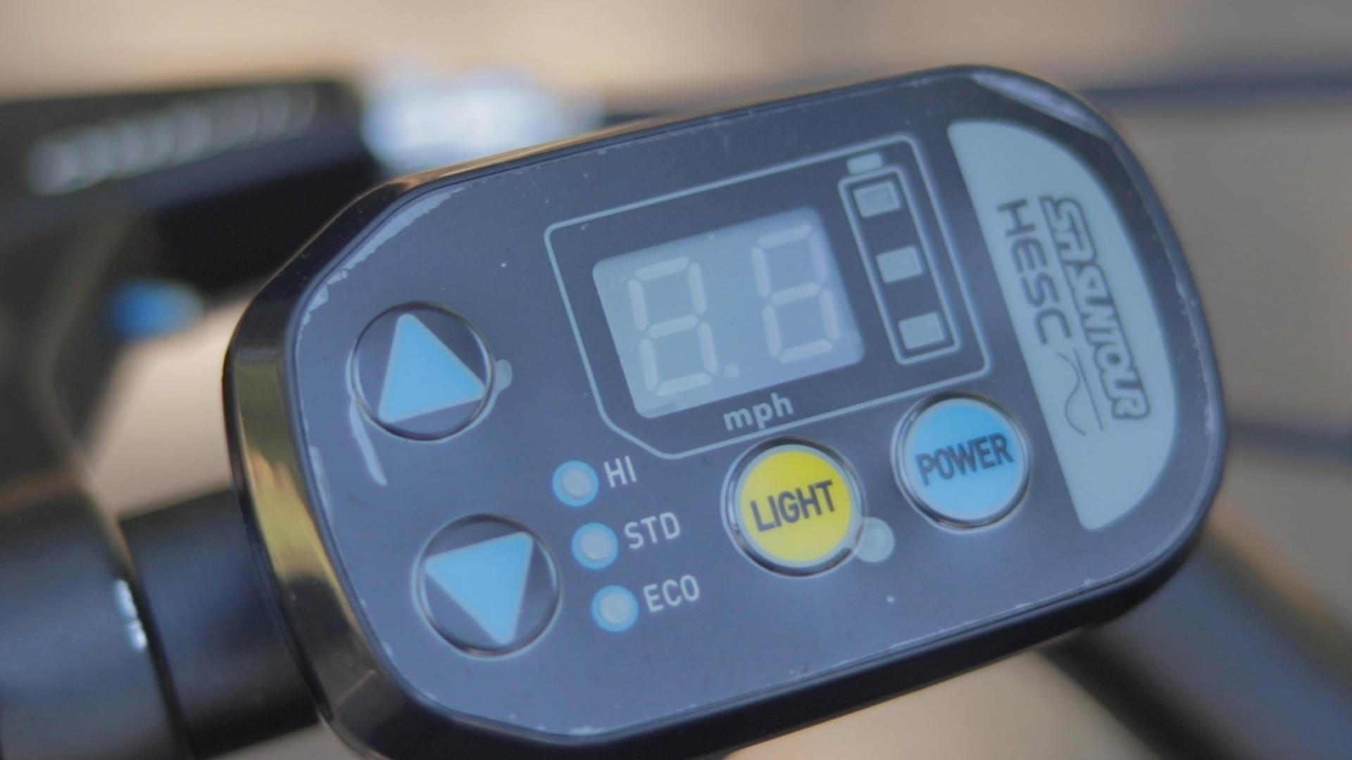 electrified-reviews-izip-simi-electric-bike-review-suntour-hesc-display.jpg