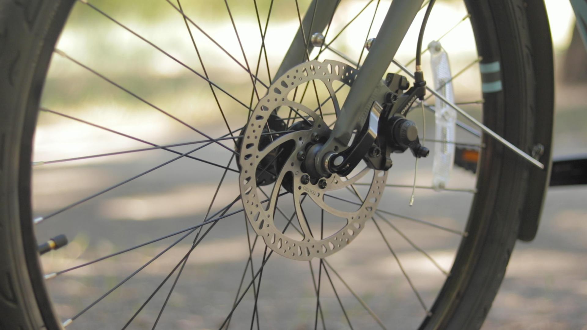 electrified-reviews-izip-simi-electric-bike-review-tektro-mechanical-disc-brake.jpg