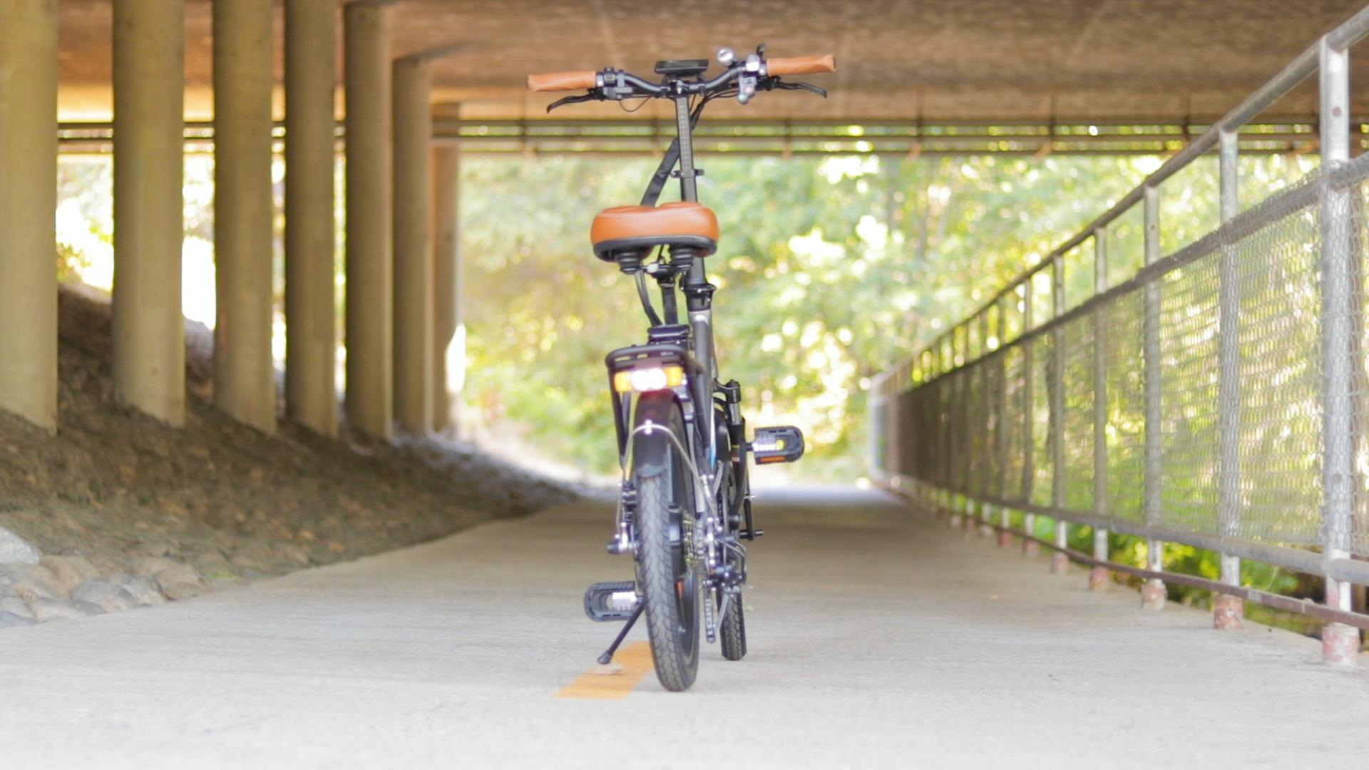 electrified-reviews-bagibike-b10-foldign-electric-bike-review-back.jpg